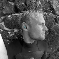 Designed for surfers, swimmers and other water athletes, SurfEars™ protect your ears without affecting hearing and balance.