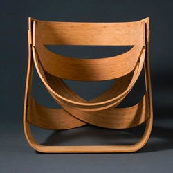 The Dutch design studio Remy & Veenhuizen, founded by Tejo Remy and Rene Veenhuizen, created this seat designed from bamboo fiber plywood, the Bamboestoel Chair.