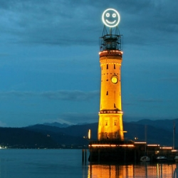 The Fühl-o-meter is a monumental Smiley Face that measures the happiness of cities.