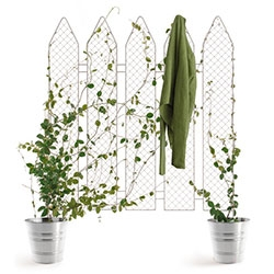 Andrea Rekaldis' PiantaLà ~ a fence that you can grow plants on!