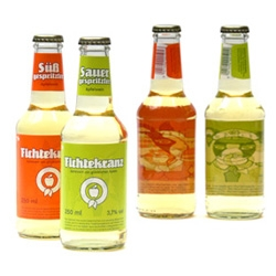Fichtekranz ~ hessian apple wine is making a comeback ~ 100% biological ~ mixed with soda/applejuice ~ and designer backsides of the labels!!! Check out some of the others on their site, the bunnies are cute.