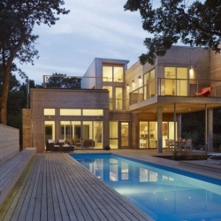 Gorgeous house on New York's Fire Island from Studio27 Architects.