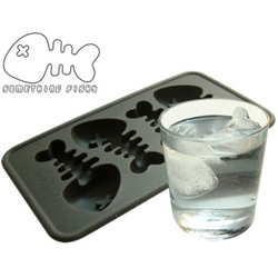 I'm not into novelty ice cube trays myself but this really caught my eye. There's something about floating bones that allude to the eventual demise of the ice in your drink. Plus, the design is rather cute!