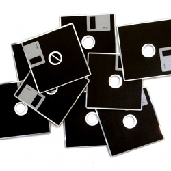 CD in the shape of good, old floppy disc. Nostalgic touch to the modern digital world.
