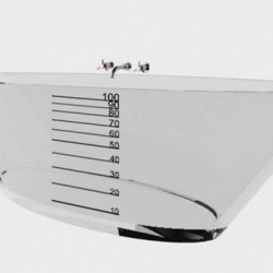 Flore de Crombrugghe is responsible for this design, the transparent bath. Flore has added measurements on a transparent bath, allowing you to see how many bottles of drinkable water you are actually wasting.
