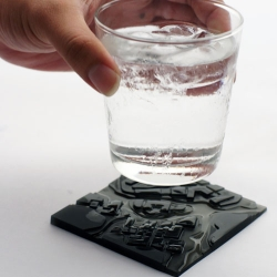 A drop of water can turn into a flood on this micro-city coaster, Taipei to be exact. Designed by a Taiwan-based design studio, Megawing.