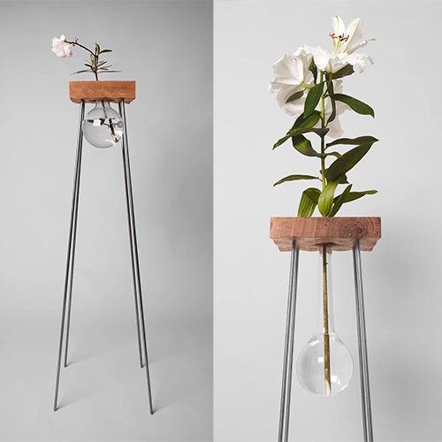 VJEMY STOLEK PRO KVĚTINU (stand for flower) - A lovely single flower vase side table made of natural materials (no glue, the steel rods are hammered in.)