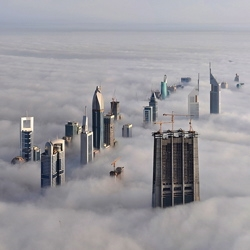 Wow, I didn't know it gets foggy in Dubai. Cool pic from daveandmairi.