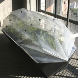 This foldable Greenhouse concept by Daniel Schipper is a folding frameless modular plant growing heaven made out of recyclable plastics.
