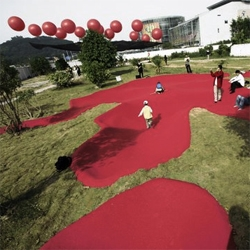 Like the trail left by a giant monster, a set of giant footsteps designed by MAD for the Shenzhen Biennale. It´s cute to see how kids play in what could have been Godzilla's mark on the city.