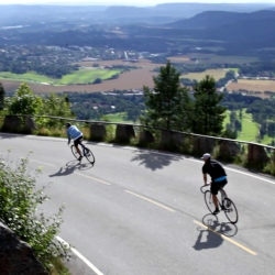 Bike guys FTT shows the Oslo scenery from a different view - on track bikes going down fast.