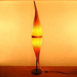 Table lamps produced of atelier libero produced by Shinya Fujii.