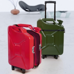 Suitcases won't be boring anymore with Ivorilla range of products. Deutch designers transform jerry cans to make surprising suitcases.