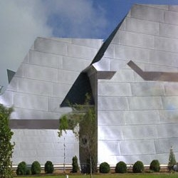 It is not often that an architecture master reinvents himself, but that is precisely what Pritzker Prize winning architect Frank Gehry has done. Gehry has revealed the first post post-modern architectural work, the New Gehry Residence.