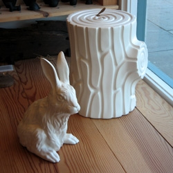 Tortoise, my fav store on abbot kinney has this white rabbit and tree trunk in their shop window. Turns out it's made by japanese artist/designer GELCHOP