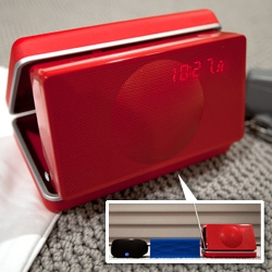 An unbox of the adorable new Geneva Sound System XS bluetooth speaker, alarm, radio in the retro-esque clamshell case. Also a side by side with the Jawbone Jambox and Logitech Mini Boombox.