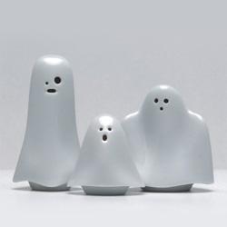 Super cute porcelain ghosts ~ Fetiche Design - A LOJA ESTÚDIO