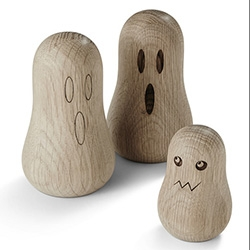 The Oak Men make adorable wooden ghosts in Denmark.
