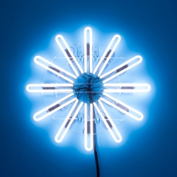 The Gyroscopic Illuminated Figure [GIF] from Thingmade is an analog, neon spin on the familiar digital loading sequence.