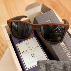Macallan 18 Sherry Oak & Shwood sunglasses ~ a perfect pairing. Take a peek at the awesome packaging and details of this beautiful gift set.