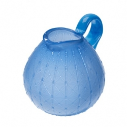 Online Dutch design store Wannekes have just added this 'Grand Bernard' jug in bright blue to their collection.