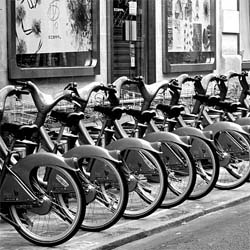 The Velib Bike program is taking to the streets of London!  Urban bike sharing at its finest?  Soon every Londoner can take a granny bike for a spin.