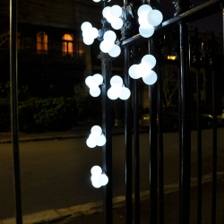 70 of these lights will be scattered around the lane-ways of Melbourne's inner city on the nights of Friday 22nd July and Saturday 23rd. Designed to be taken by those that find them by Kristian Aus.
