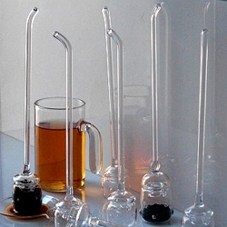T- drip is a hand-blown glass beverage infuser that brings a new degree of elegance to the tea drinking experience!  Designed by Luis Caicedo.