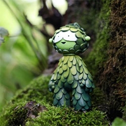 Mini Muju Guardians are here! The first batch will include 8 Mini Forest Guardians and 7 Mini Ocean Guardians, all handpainted, signed and numbered.