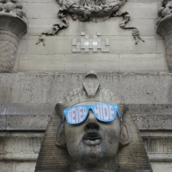 Guerilla marketing idea for Ray-Ban Never Hide campaign in Paris.