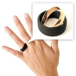 'Ruota' anti-assault coverage for wedding rings, by Attanasio Mazzone.