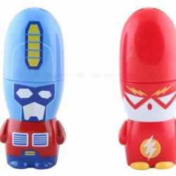 Nope, these aren't the latest Mimobot memory sticks. They're little pocket-sized fans to keep yourself cool.