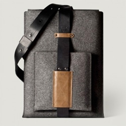 Hard Graft launches the shoulder macbook sleeve!