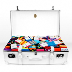 This is a pairing made in heaven. Globe-Trotter and Happy Socks are partners – not in the sock making business but the display world. Globe-Trotter has been names Happy Socks' official display partner for the US market.