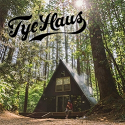 Tye Haus - A-frame cabin/ski-chalet for rent at Steven's Pass, WA.