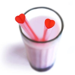 Heart Straws - there's something so simple and sweet about these new straws from Suck UK
