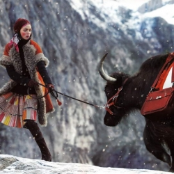 Great photography by Eric Valy for the Hermès Fall/Winter 2008-2009 ad campaign with a snowy mountain climbing theme.