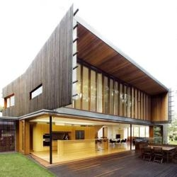 Richard Kirk Architects have designed the Highgate Hill Residence in Brisbane, Australia.