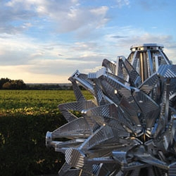 Beautiful enormous Hoberman sculpture Noiaison (First Growth) at Chateau Smith Haut Lafitte in Bordeaux, France. Fabricated out of aircraft grade aluminum with CNC machining, each of the 224 struts and 54 hubs.