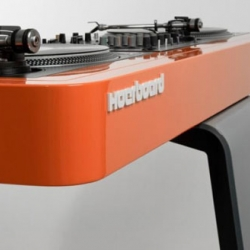 Mix It Up: The Ultra-Modern Hoerboard Scomber Mix DJ Stand.