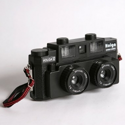 The latest in lomography, the Holga 120-3D Stereo Camera is twice the fun (with twice the lenses)! Now you can develop your own retro 3D photos.