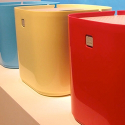 Modkat - Super cool and functional cat litter box at the ICFF show. Designed by Brett Teper and Rich Williams, of Fulton Street Design.  I can't wait to get my paws on one!!!!!