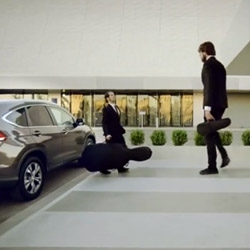 Honda Illusions, An Impossible Made Possible is a commercial filled with optical illusions for the European launch for the new CR-V 1.6 Diesel. The making-of video is amazing!