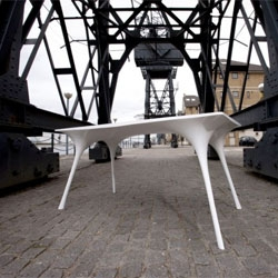 Pneu (Pneumatic) Table by Il Hoon Roh.