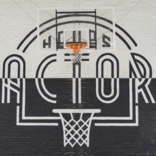 A new indoor basketball temple open in Paris: THE HOOPS FACTORY.