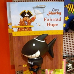 Capt'n Sharky Bike Horn ~ may be for kids, but it'd be pretty adorable on any bike. And nice and black and white and squeezable!