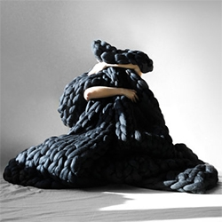 Ohhio super chunky cozy knit blankets handmade by Anna Mo in Ukraine. Lovely photography!