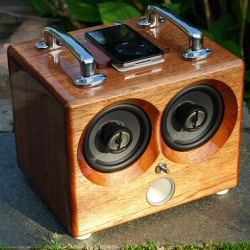 iBox is an incredible hadcrafted sound system for iPod and Mp3 player. You can choose type of wood, colors and accessories.
