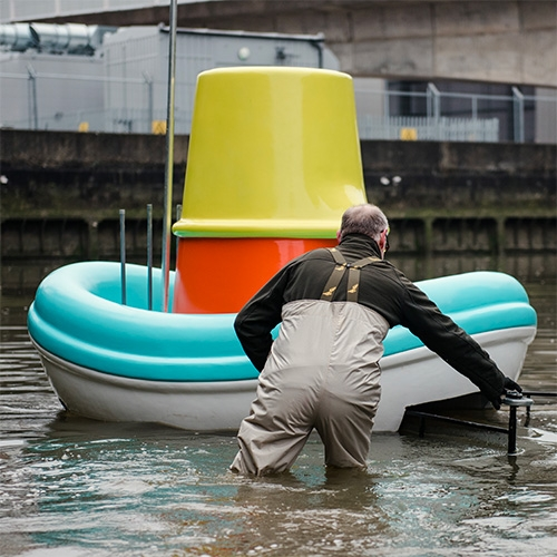 Good Ship IKEA by Mother London is a life sized version of the IKEA SMÅKRYP bath boat that can clean up 20kgs of trash from the waterways! The public is currently invited to remote control them in Deptford Creek, east London.