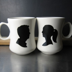 Silhouette and Customizable Mugs for the Holidays